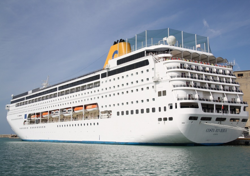 Brindisitg.it la nave da crociera della costa nel porto di brindisi